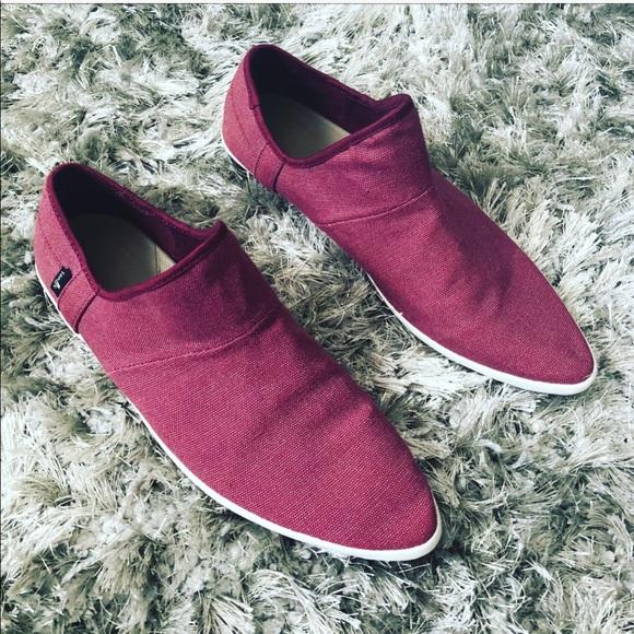 2c8c58362de Sanuk Katlash slip on shoes sz  9. M 5a95b049a44dbe9d8f77fcc4